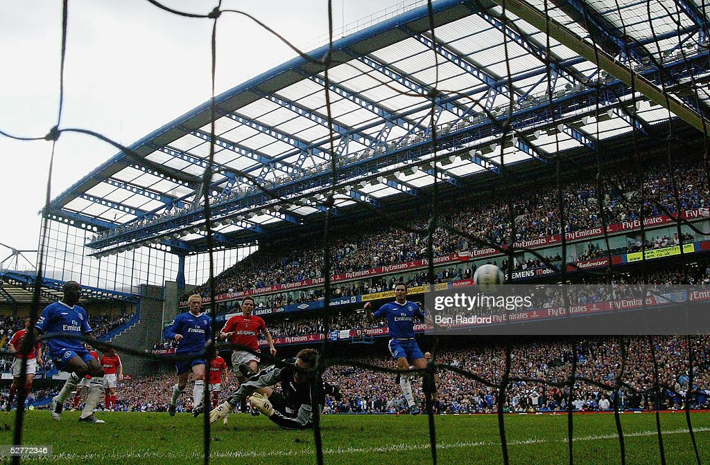 Claude Makelele of Chelsea misses a penalty but gets his own rebound to score the winning goal in the final seconds during the Barclays Premiership match between Chelsea and Charlton at Stamford Bridge on May 7, 2005 in London, England. It was his first ever goal for Chelsea.