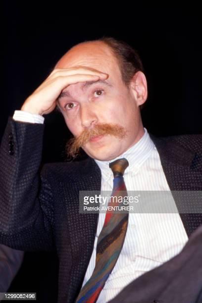 Claude Malhuret, secrétaire d'état chargé des droits de l'homme, lors d'un Forum des ministres du RPR à Paris le 28 mars 1987, France