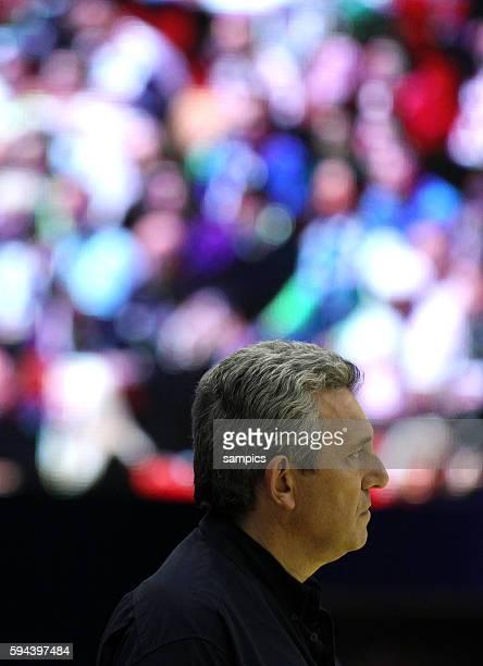Claude ONESTA , Coach Frankreich Handball Männer Europameisterschaft 2012 in Serbien Hauptrunde : Frankreich - Slowenien 10 th mens european...