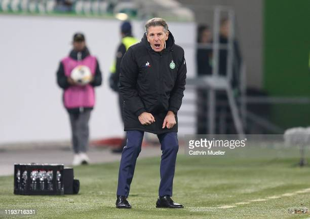Claude Puel, head coach of AS Saint-Etienne shouts instructions during the UEFA Europa League group I match between VfL Wolfsburg and AS...