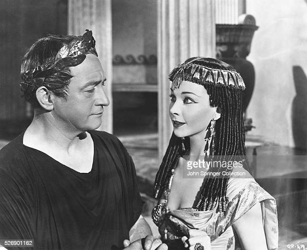 Claude Rains as Julius Caesar and Vivien Leigh as Cleopatra in the 1945 film Caesar and Cleopatra