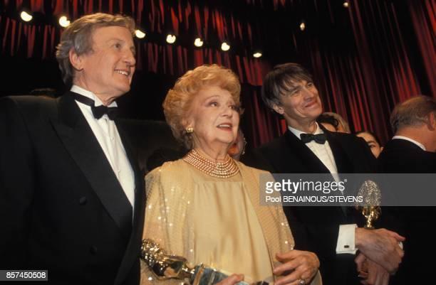 Claude Rich Edwige Feuillere et Laurent Terzieff a la 7e Nuit des Molieres recompensant le theatre francais le 5 avril 1993 a Paris France