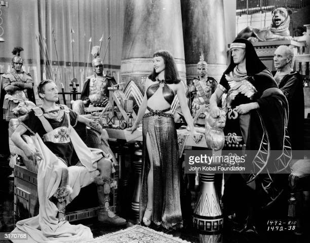 Claudette Colbert as Egypt's most famous queen and Warren William as the Roman leader Julius Caesar in the historical drama 'Cleopatra', directed by...