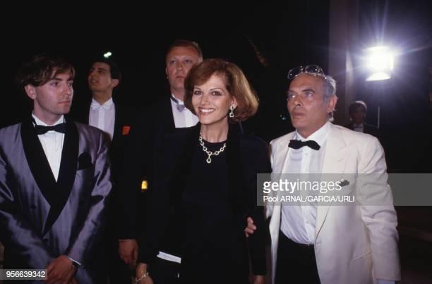 Claudia Cardinale et son mari Pasquale Squitieri lors du Festival de Cannes en mai 1987 France