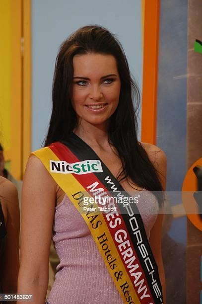 Claudia Ehlert Teilnehmerin der Miss GermanyWahl 2005 Spanische TVShow Las Palmas Insel Gran Canaria Kanarische Insel Spanien Europa Studio Schärpe...