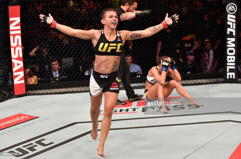 UFC 212: Gadelha v Kowalkiewicz : News Photo