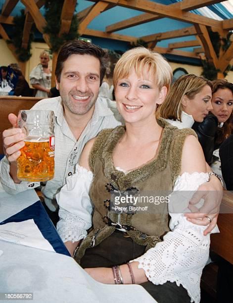 Claudia Jung Ehemann Hans SingerGoldstar TV Wies`n Treff OktoberfestMünchen Bier Glas Mann