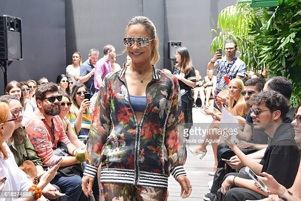 Claudia Leite attends at Agua de Coco Front Row at SPFW Winter 2017 at Ibirapuera's Bienal Pavilion on October 26 2016 in Sao Paulo Brazil
