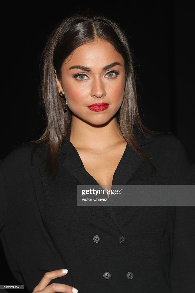https://media.gettyimages.com/photos/claudia-martin-attends-the-day-6-of-mercedes-benz-fashion-week-mexico-picture-id952289670
