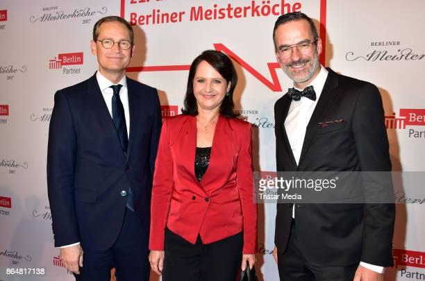 Claudia Mueller Michael Mueller and Stefan Franzke during the 21th Gala 'Berliner Meisterkoeche' on October 21 2017 in Berlin Germany