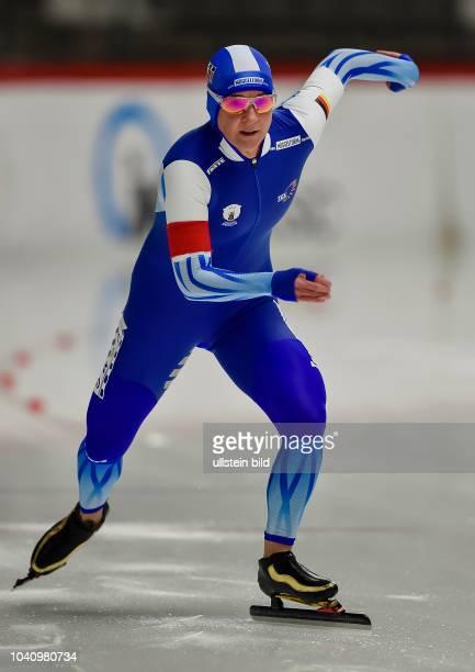 Claudia Pechstein beim Start waehrend der Deutschen Eisschnelllauf Meisterschaft in der Max Aicher Arena am 27. Oktober 2017 in Inzell.