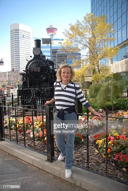 """Claudia Rieschel, am Rande der Dreharbeiten zur ZDF-Reihe """"Im Tal der wilden Rosen"""", Folge 3: """"Gipfel der Liebe"""", Calgary, Alberta, Kanada,..."""