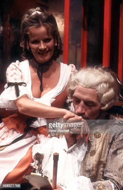 Claudia Rieschel Manfred Reddemann Theaterstück Figaros Hochzeit am in Hamburg Deutschland