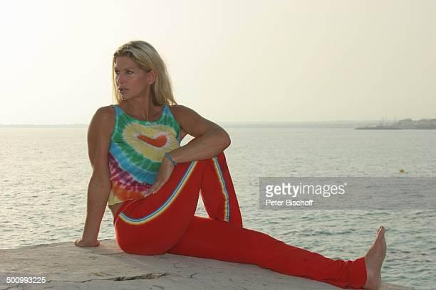 Claudia Roberts Urlaub Strand Es Trenc/Mallorca/Spanien Balearen Meer Mittelmeer Küste Klippen Sänger Sängerin Ehemann Familie Schlagersänger...
