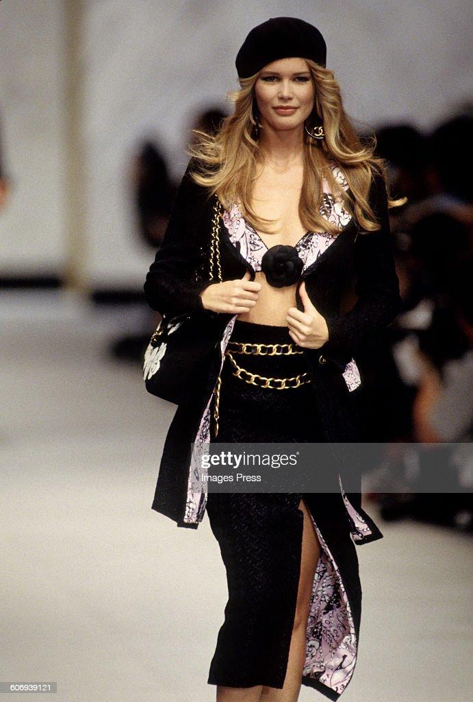 Chanel Spring 1993 : News Photo