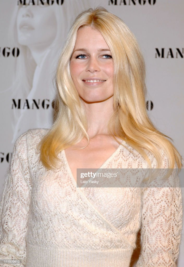 Claudia Schiffer Launches Autumn/Winter 2005 Mango Collection in Madrid