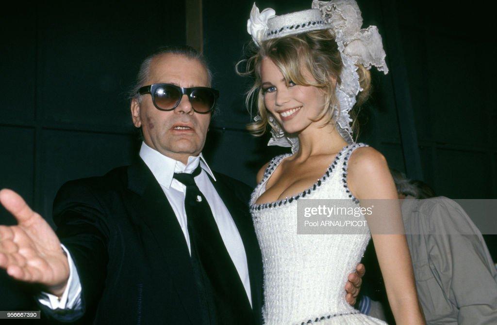 Défilé Chanel Haute Couture Automne-Hiver 92 : News Photo