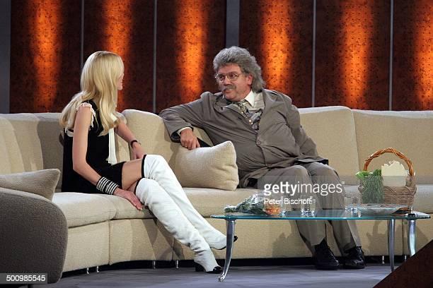 """Claudia Schiffer, Hape Kerkeling als """"Horst Schlämmer"""", 164. ZDF-Show """"Wetten, dass?"""", Düsseldorf, Deutschland, , P.-Nr. 1624/2006, """"Halle..."""