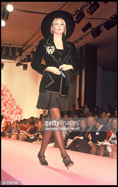 Claudia Schiffer Valentino Haute Couture fashion show fall winter 19921993 collection in Paris