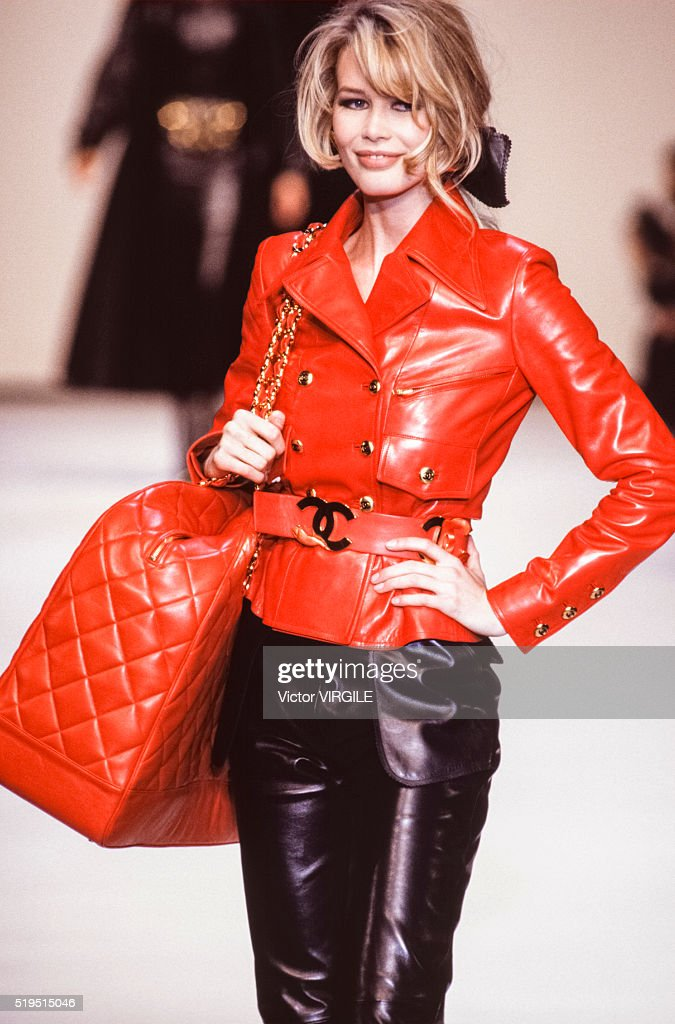 Chanel - Runway - Ready To Wear Fall/Winter 1992-1993 : News Photo