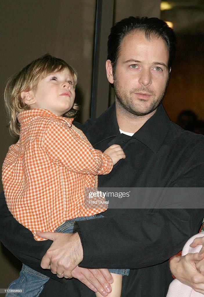 Matthew Vaughn Baby Fotos und Bilder von C...