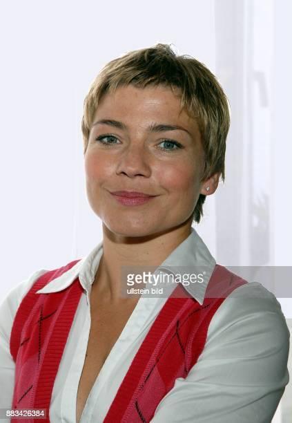 Claudia Schmutzler Schauspielerin D Portraet