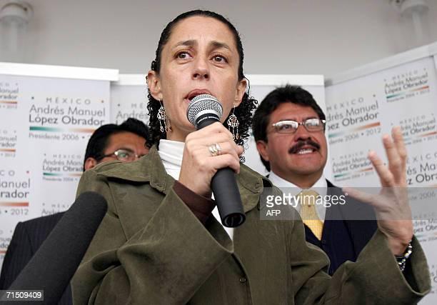 Claudia Sheinbaum vocera del candidato presidencial Andres Manuel Lopez Obrador del partido de la Revolucion Democratica responde preguntas durante...