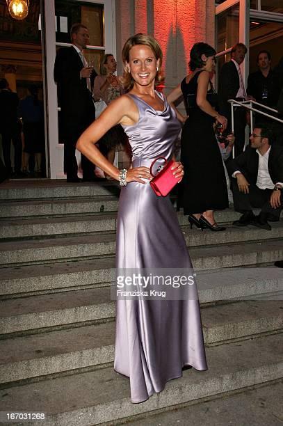 Claudia Von Brauchitsch Bei Der Verleihung Des Bayerischen Fernsehpreises In München Am 260507