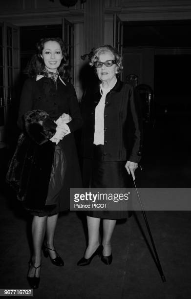 Claudine Coster et Elvire Popesco à Paris le 31 janvier 1974 France