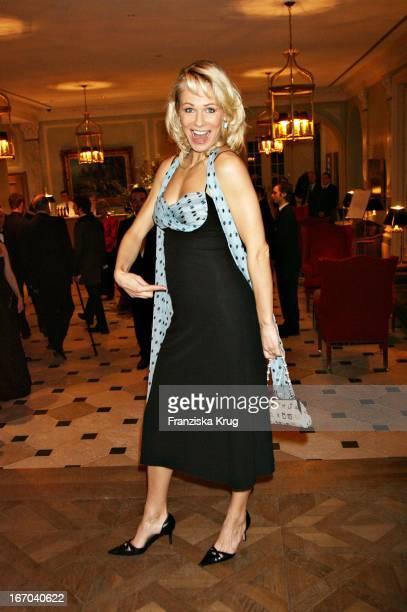 Claudine Wilde In Einem Kleid Von Talbot Runhof Bei Der Verleihung Der Gala Spa Awards Im Brenner'S Park Hotel In Baden Baden Am 250306