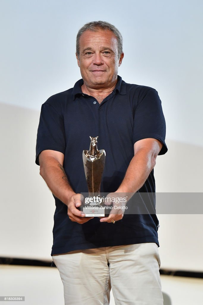 Claudio Amendola poses with the Giffoni Award during Giffoni Film Festival 2017 Day 5 on July 18, 2017 in Giffoni Valle Piana, Italy.