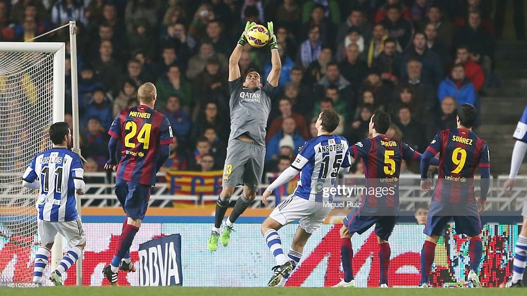 Claudio Bravo goalkeeper of FC Barcelona saves the ball during the La Liga match between Real Sociedad de Futbol and FC Barcelona at Estadio Anoeta on January 4, 2015 in San Sebastian, Spain.