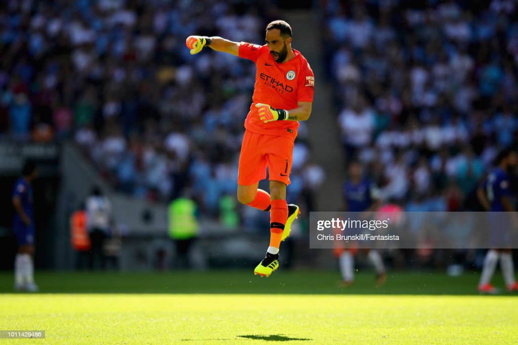 https://media.gettyimages.com/photos/claudio-bravo-of-manchester-city-celebrates-his-sides-second-goal-picture-id1011429486