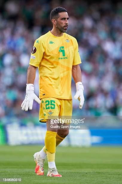 Claudio Bravo of Real Betis looks on during the UEFA Europa League group G match between Real Betis and Bayer Leverkusen at Estadio Benito Villamarin...
