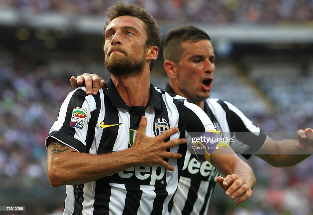 Claudio Marchisio of Juventus FC celebrates his goal during the Serie A match between FC Internazionale Milano and Juventus FC at Stadio Giuseppe Meazza on May 16, 2015 in Milan, Italy.