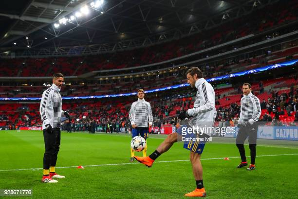 Claudio Marchisio of Juventus juggles the ball the ball during the warm up prior to the UEFA Champions League Round of 16 Second Leg match between...