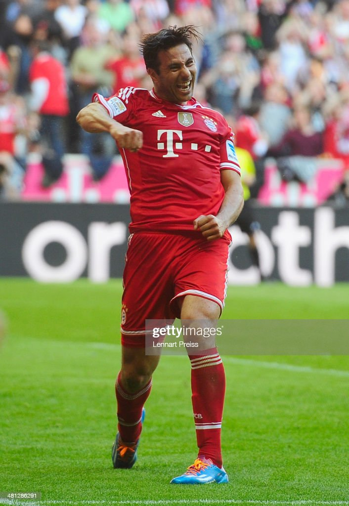 Claudio Pizarro of Muenchen celebrates a goal during the Bundesliga match between FC Bayern Muenchen and 1899 Hoffenheim at Allianz Arena on March 29, 2014 in Munich, Germany.