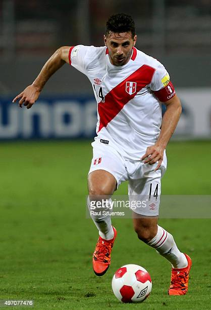 Claudio Pizarro of Peru drives the ball during a match between Peru and Paraguay as part of FIFA 2018 World Cup Qualifiers at Nacional Stadium on...