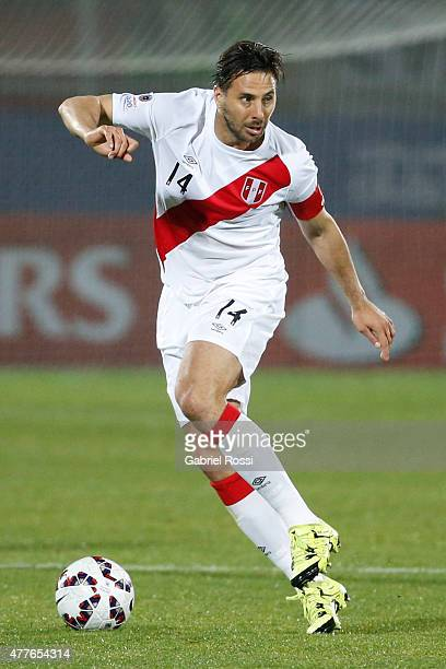 Claudio Pizarro of Peru drives the ball during the 2015 Copa America Chile Group C match between Peru and Venezuela at Elías Figueroa Brander Stadium...