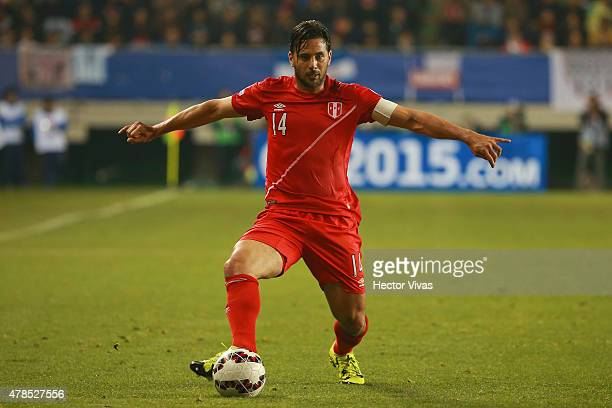 Claudio Pizarro of Peru in action during the 2015 Copa America Chile quarter final match between Peru and Bolivia at German Becker Stadium on June 25...