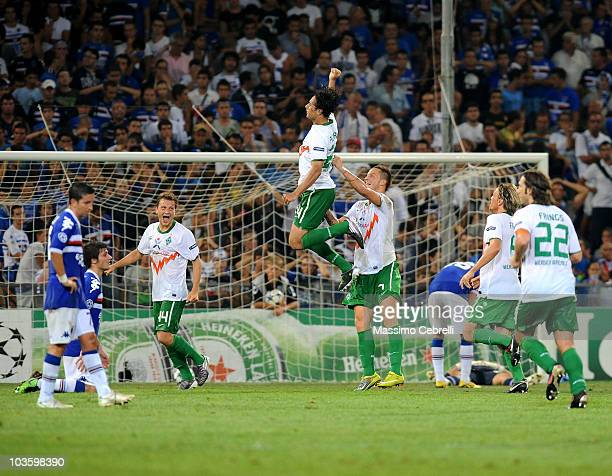 Claudio Pizarro of SV Werder Bremen celebrates scoring his team's second goal during the Champions League Play-off match between UC Sampdoria Genoa...