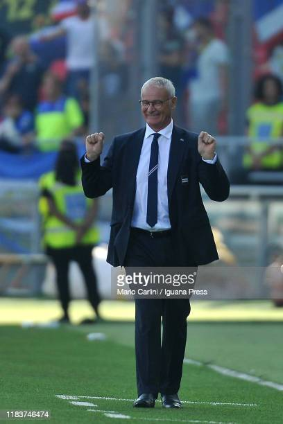 Claudio Ranieri head coach of UC Sampdoria reacts during the Serie A match between Bologna FC and UC Sampdoria at Stadio Renato Dall'Ara on October...