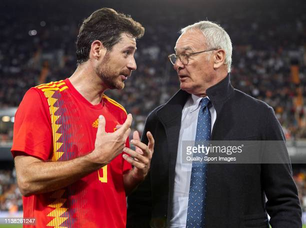 Claudio Ranieri head coach of Valencia Legends talks with Victor Sanchez Del Amo of Spain Legends at the end of the friendly match of the...