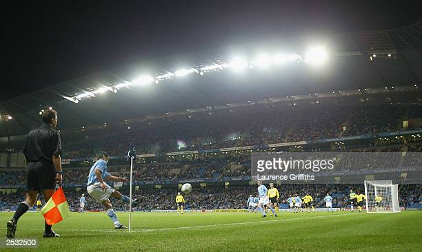 Claudio Reyna of Man City takes a corner during the UEFA Cup First Round First Leg match between Manchester City and Sporting Lokeren OV at The City...