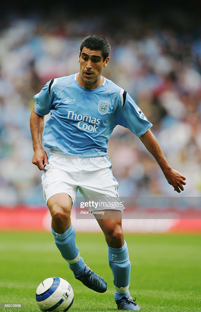Claudio Reyna of Manchester City in action during the Barclays Premiership match between Manchester City and Portsmouth at the City of Manchester Stadium on August 27, 2005 in Manchester, England.