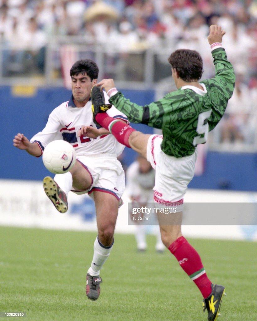 United States vs. Mexico - April 20, 1997 : News Photo