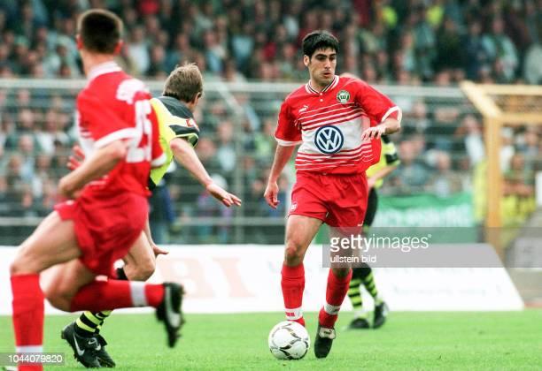 Claudio Reyna vom VfL Wolfsburg hier
