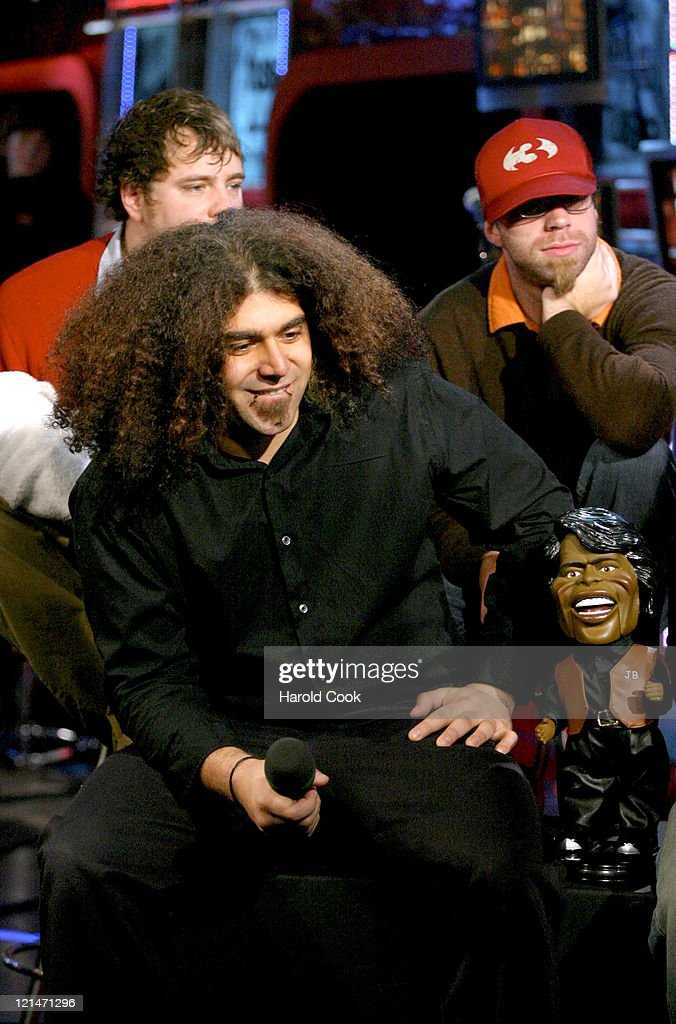 "Coheed and Cambria Visits Fuse's ""Daily Download"" - November 22, 2004"