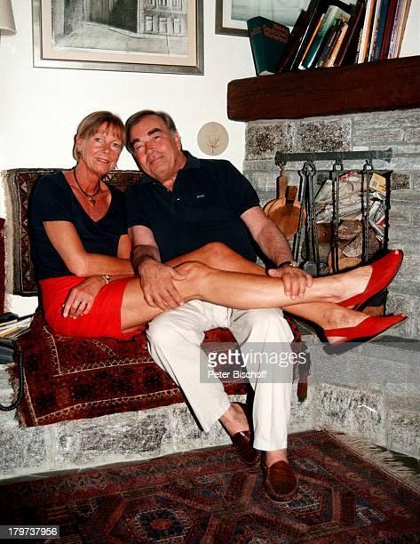 Claus Biederstaedt mit Ehefrau Barbara Homestory in Lago Maggiore Schweiz Europa Urlaub deutsche Stimme von J a m e s G a r n e r Schauspieler Promis...