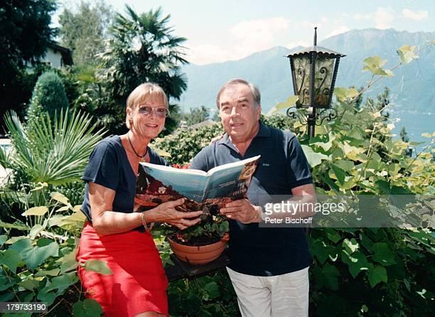 Claus Biederstaedt und Ehefrau Barbara Buch über italienische KochKünste Homestory im Ferienhaus am Lago Maggiore Urlaub deutsche Stimme vonJ a m e s...